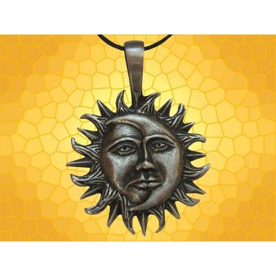 collier lune inversée signification